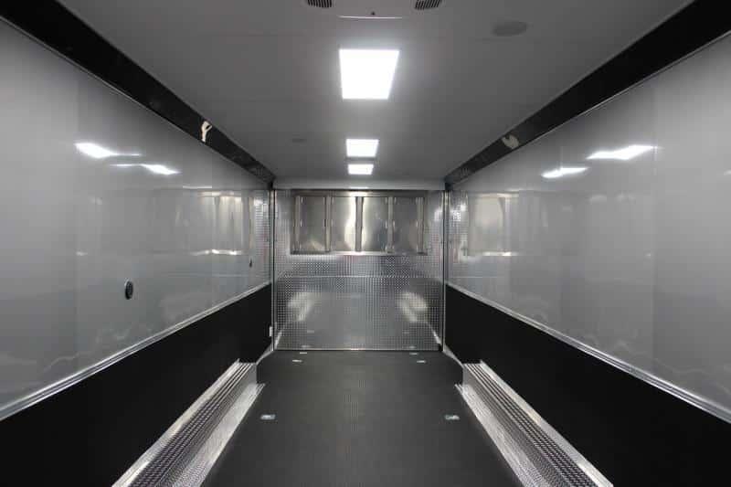 bumperpullwbathroom0142_14
